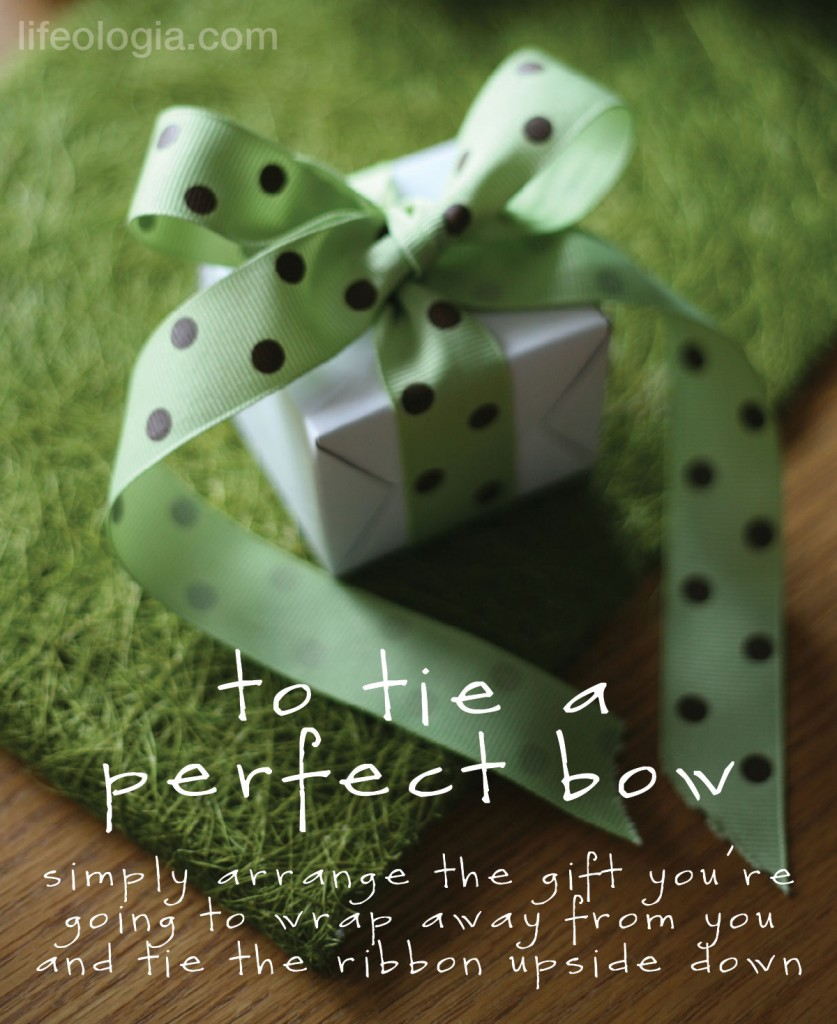 advent-calendar2-how-to-tie-the-perfect-bow