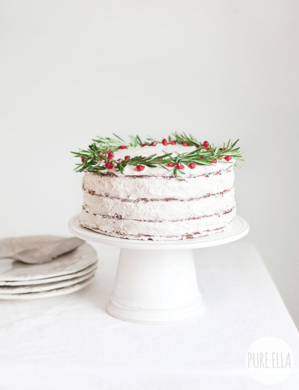 Gluten-free-Vegan-Gingerbread-Christmas-Wreath-Cake-Recipe
