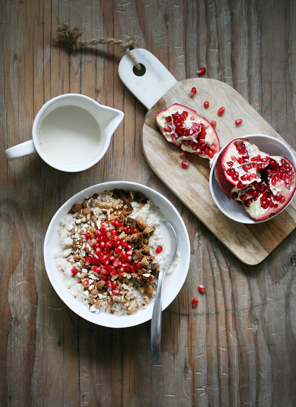 IMG_2022-chia-oatmeal-with-nuts-figs-and-pomegranate