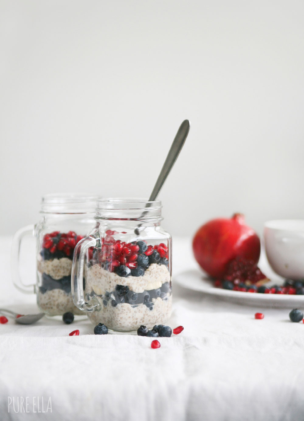 Pure-Ella-Blueberry-Pomegranate-Chia-Oats-Breakfast-Parfait7