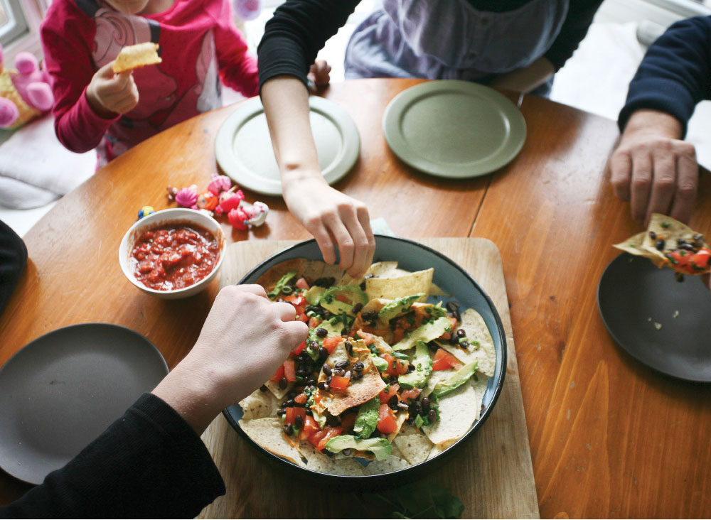 Pure-Ella-Healthy-Gluten-free-Vegan-Tortilla-Nachos-Party-Bowl5