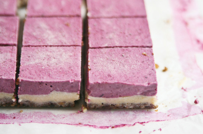 Pure-Ella-Raw-Berry-Burst-Cheesecake