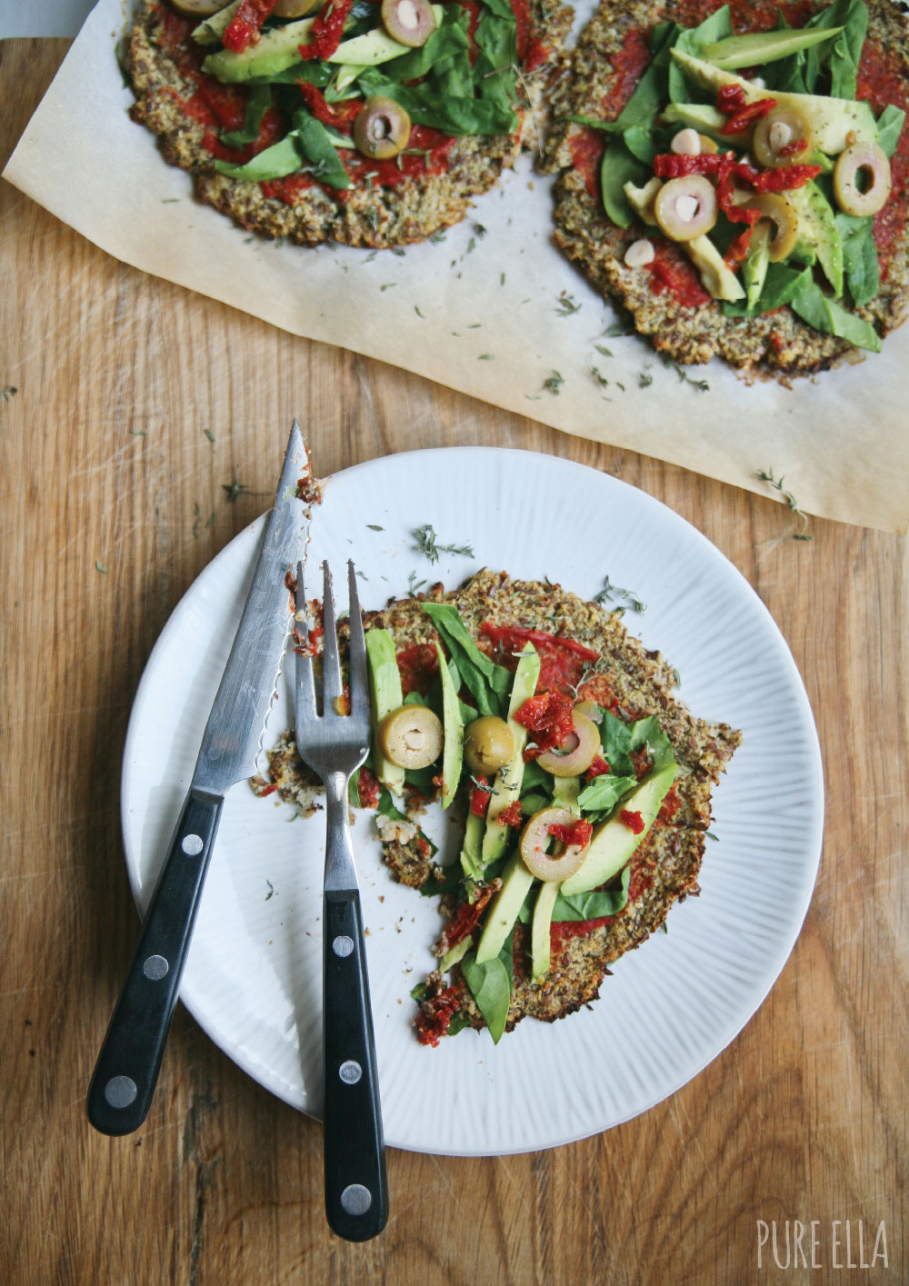 Pure-Ella-gluten-free-paleo-vegan-cauliflower-crust-pizza5