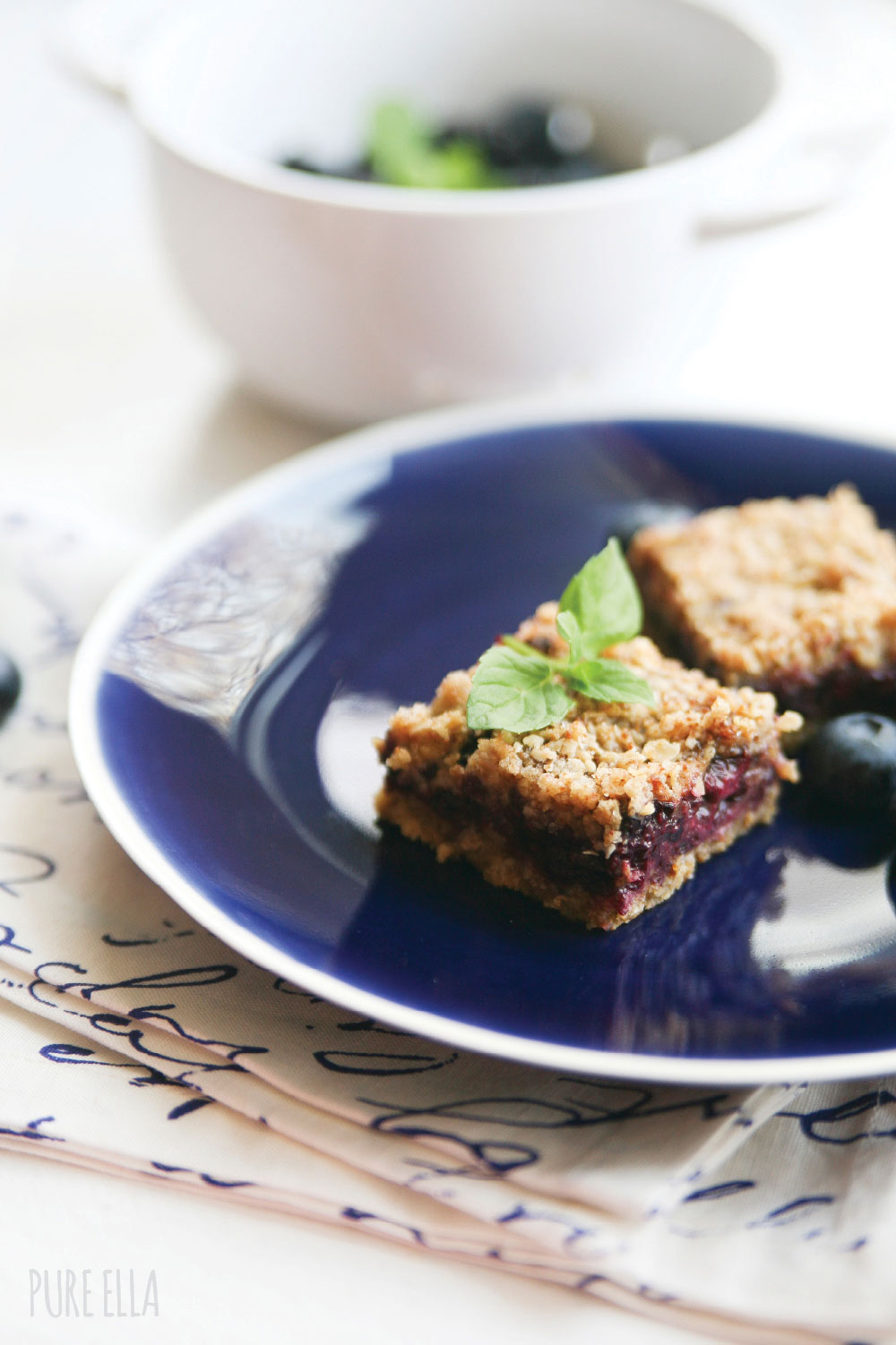 Pure-Ella-gluten-free-vegan-blueberry-blackberry-crumb-squares10