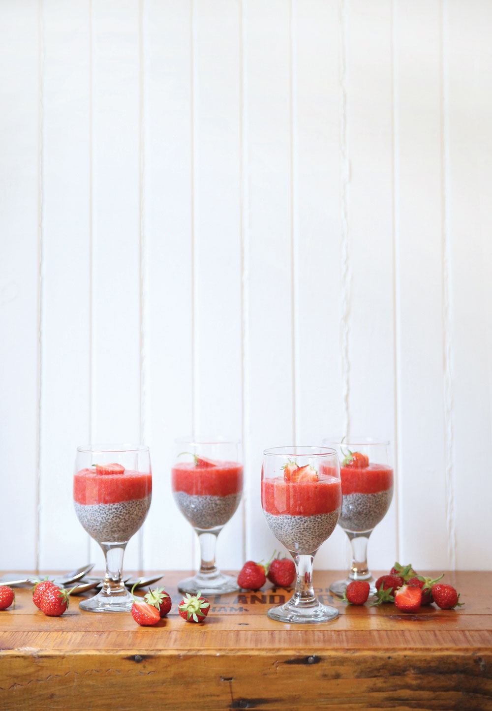 Strawberry-Puree-Chia-Pudding-Pure-Ella-Leche3