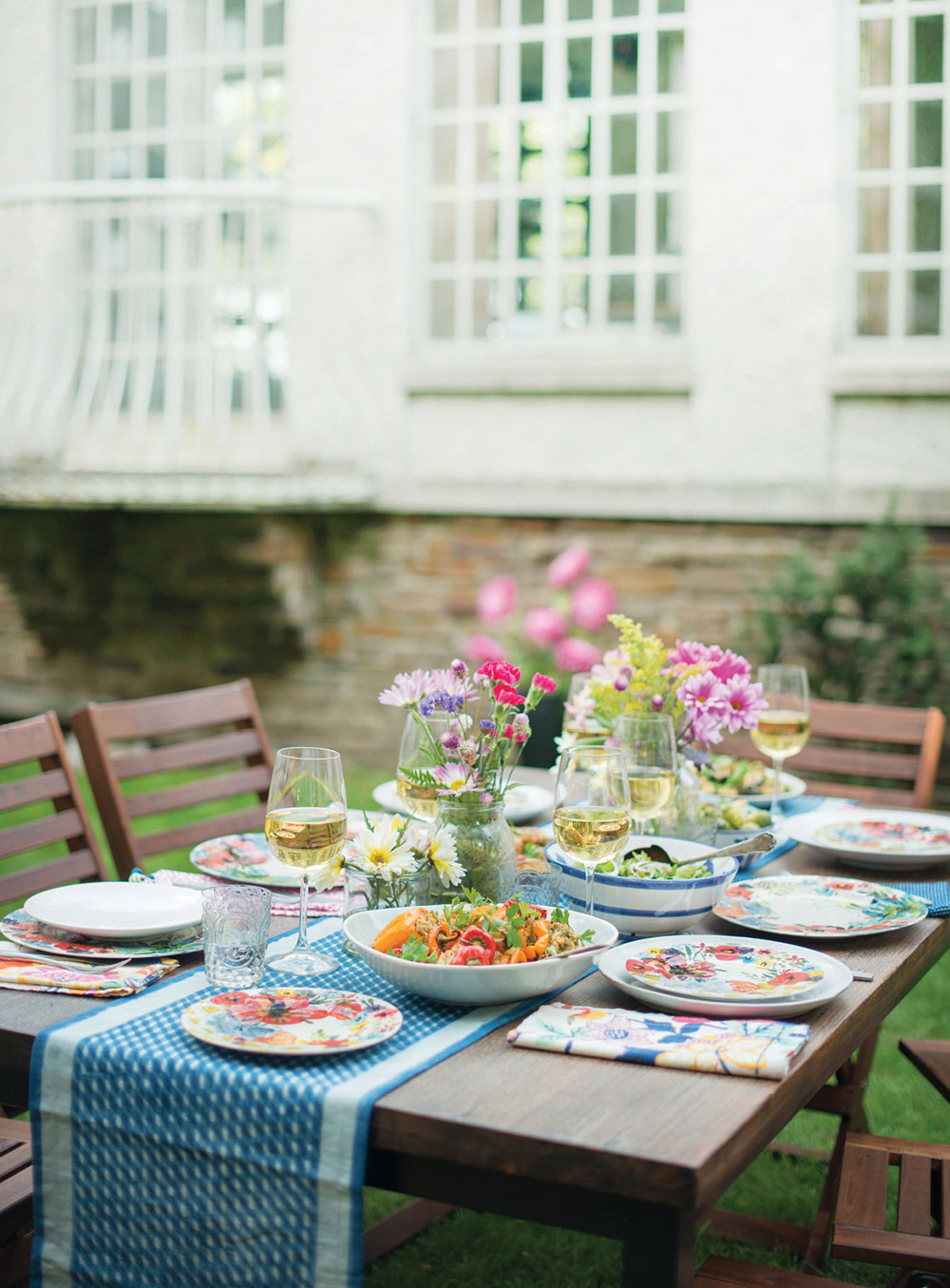 Summer Entertaining Garden Dinner Party For The Cut The Sugar Book - Book table for dinner