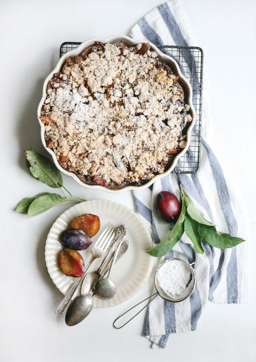 Gluten-Free-Crumble-Plum-Pie-Pure-Ella-Leche