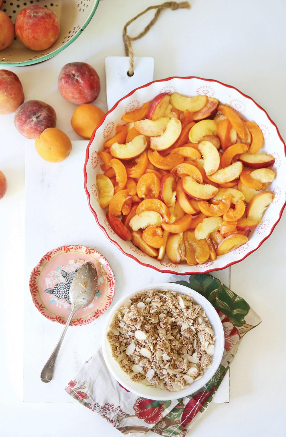 Grain-Free-Peach-Apricot-Crisp-Crumble-Pure-Ella-Leche4