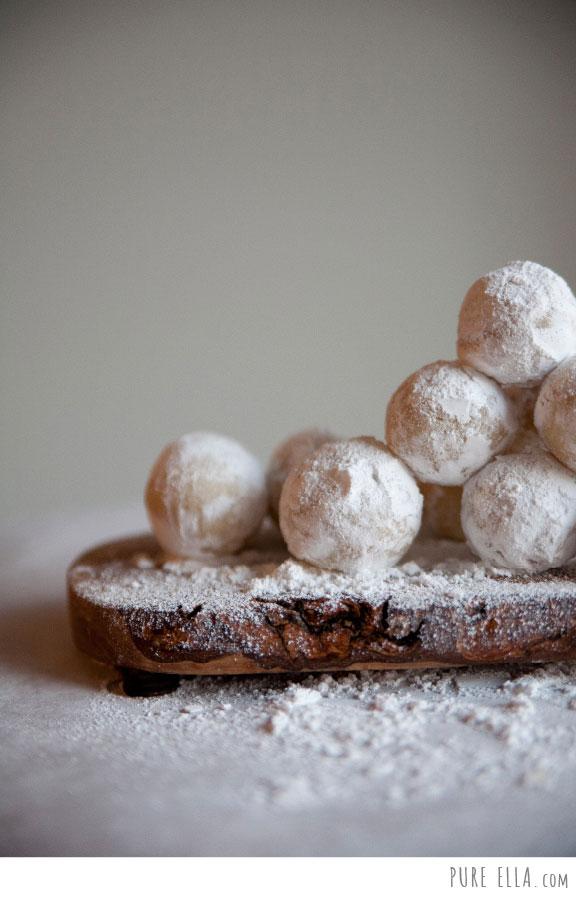 Pure-Ella-Amaretto-Snowballs4