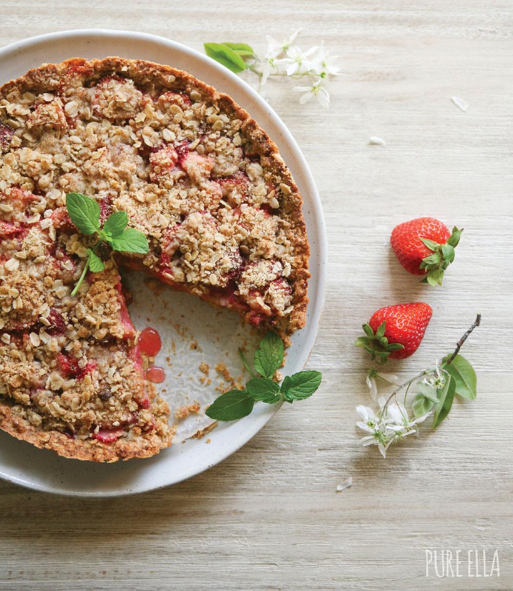Pure-Ella-Gluten-free-vegan-Strawberry-Rhubarb-Crumble-Pie11