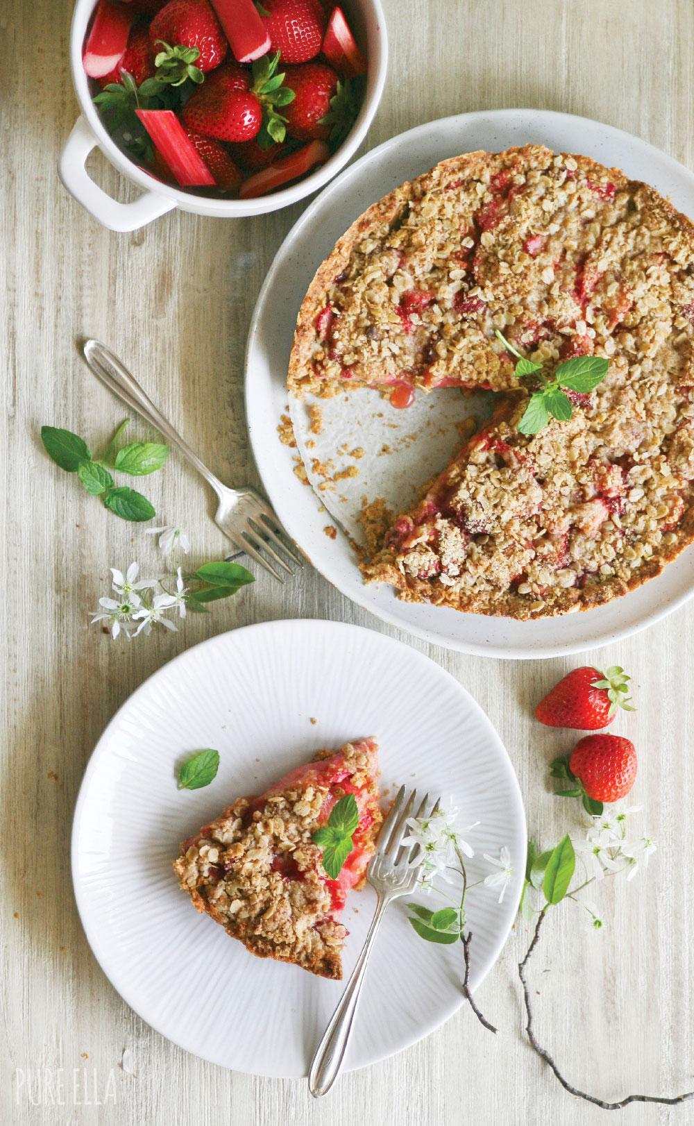 Pure-Ella-Gluten-free-vegan-Strawberry-Rhubarb-Crumble-Pie2