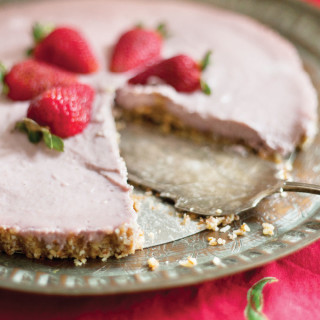 Raw Strawberry Cheesecake : gluten-free, paleo, vegan