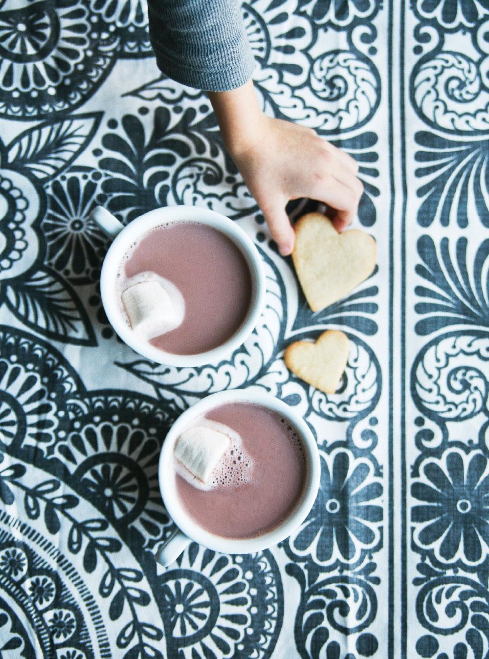 Pure-Ella-hot-cocoa-heart-cookies