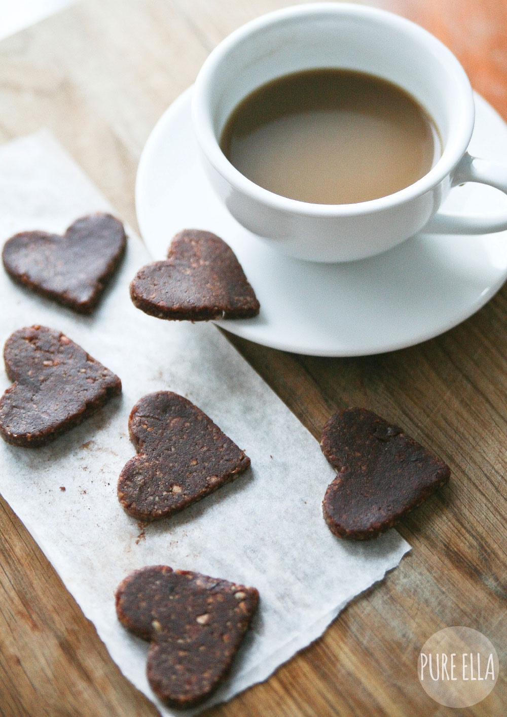 Pure-Ella-raw-hazelnut-chocolate-hearts2