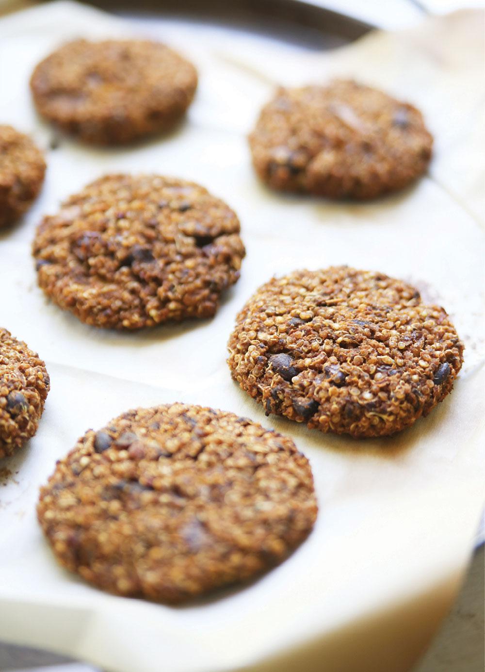 quinoa-black-bean-cakes-pure-deliciously-ella-leche4